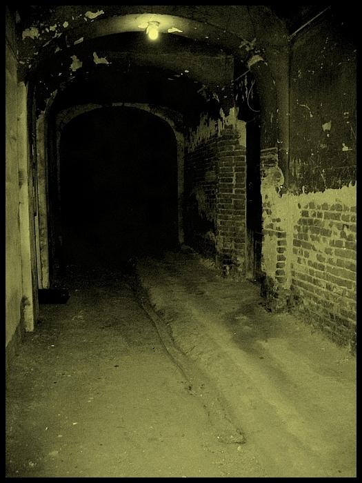 ciemna-ulica-strona-piaseczna.jpg